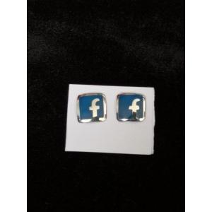 Aretes Facebook